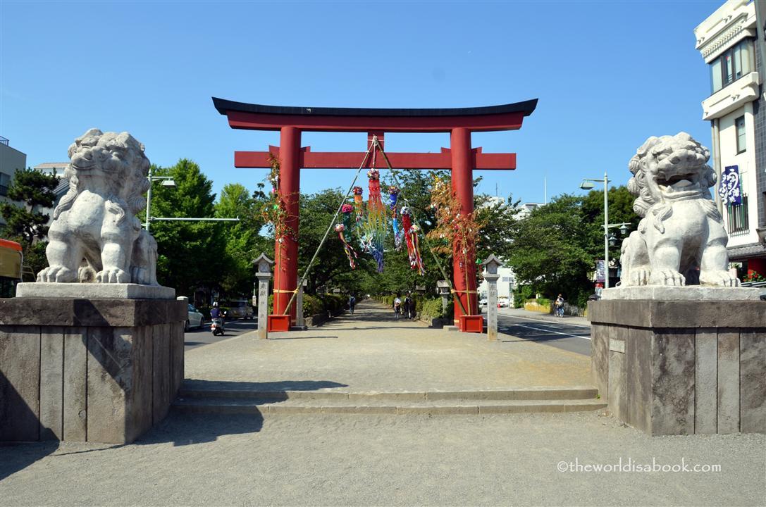 Kamakura Wakamiyohji Street torii