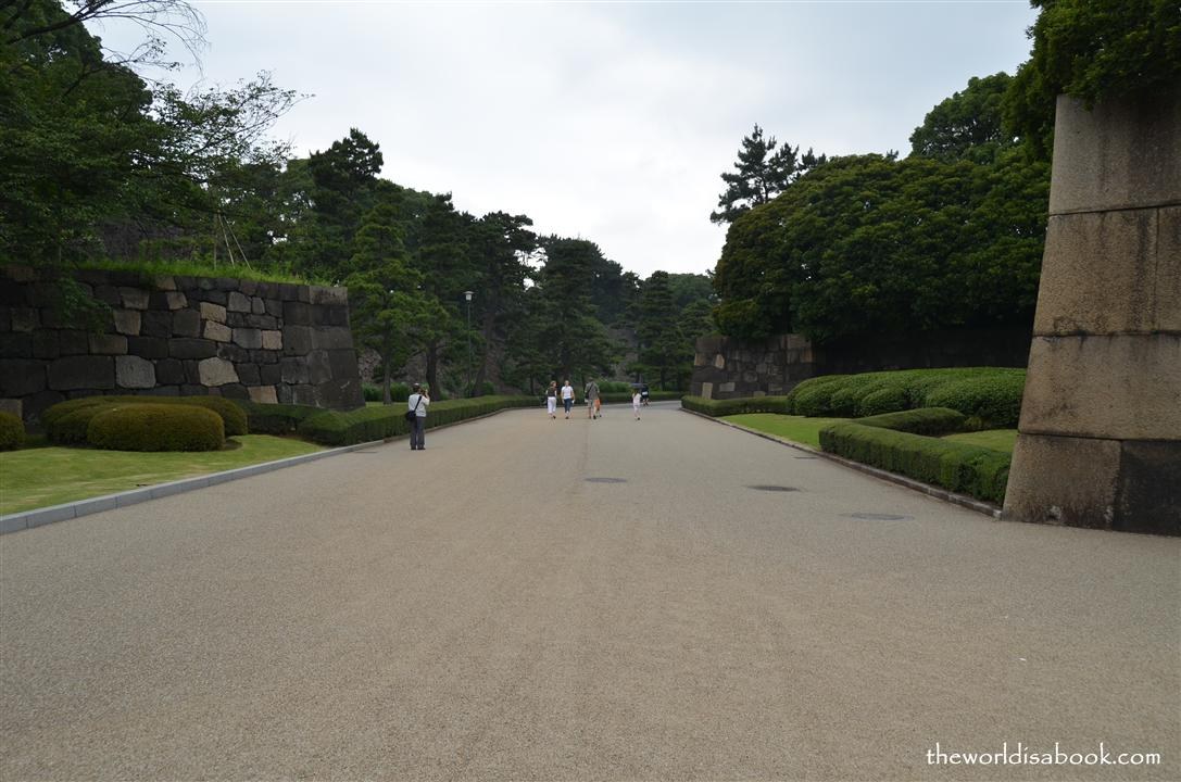 Imperial Palace East Gardens walkway