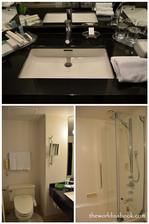 Tokyo Hilton bathroom