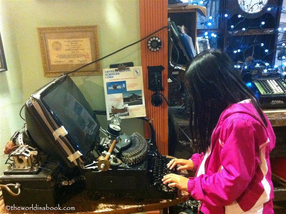 Temecula pennypickle museum typewriter