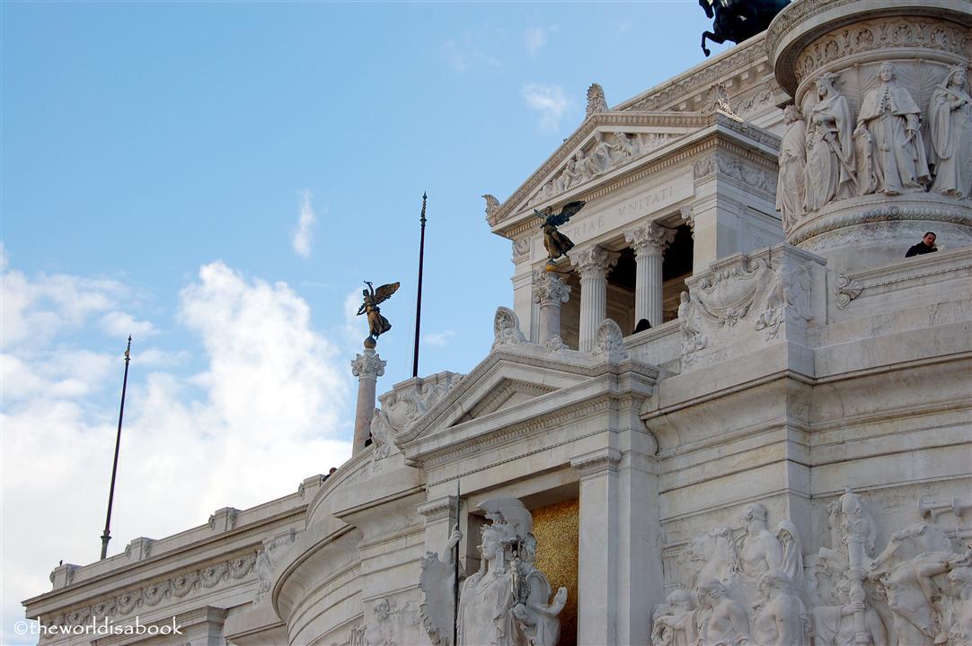 Roma Statue Vittoriano