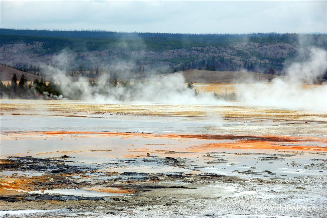 yellowstone Fountain Paint Pots geyser trail