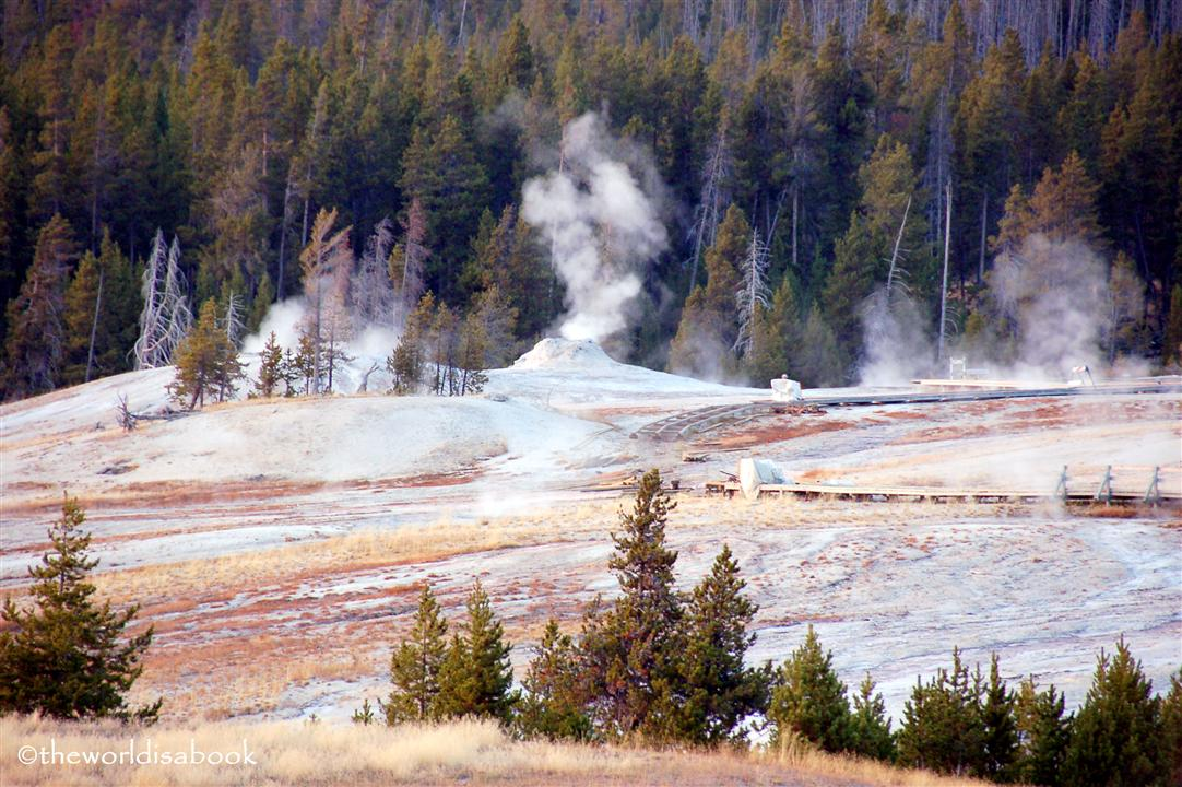 yellowstone upper basin geyser image