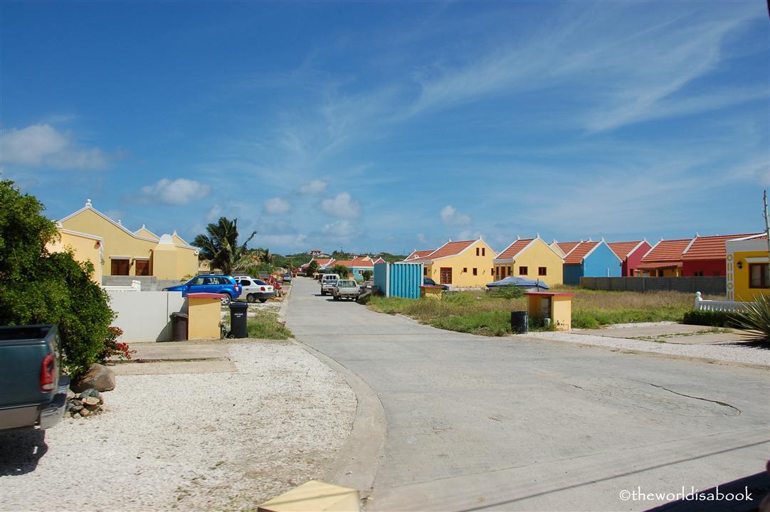 Aruba colorful houses