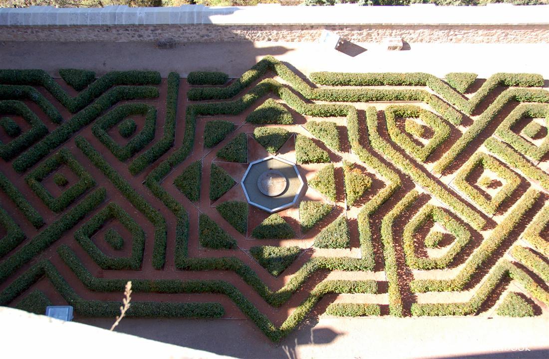 Alcazar of Segovia maze