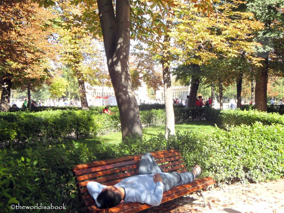 El Retiro Park Madrid sleeping image