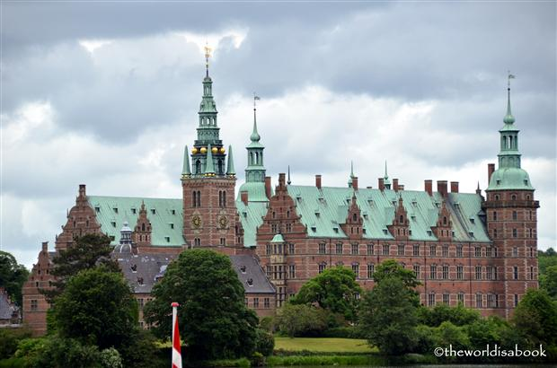 Frederiksborg Castle or Frederiksborg slot image