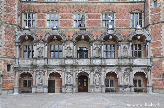 Frederiksborg castle facade image