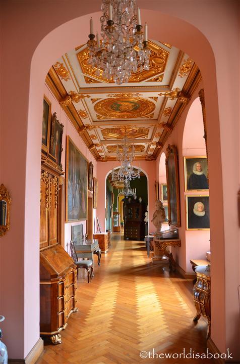 Frederiksborg castle slot hallway