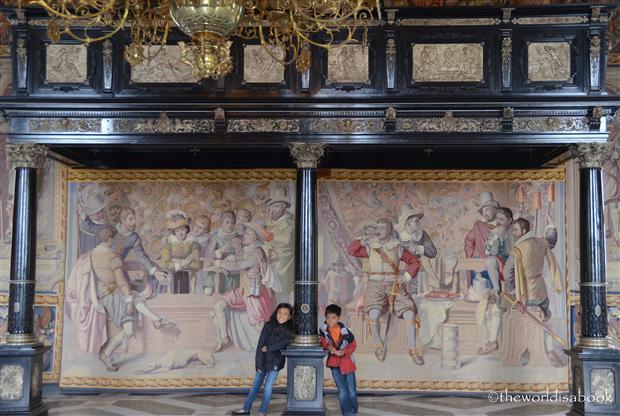 Frederiksborg castle slot tapestry wall