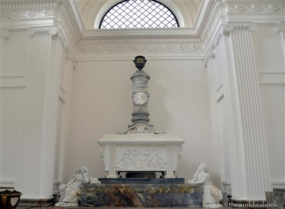 Roskilde Frederik V chapel