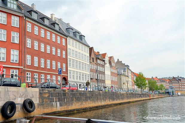 Copenhagen canal and rowhouses