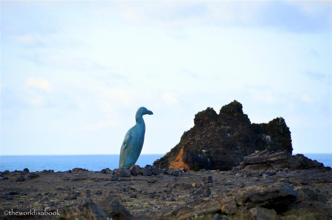 Iceland reykjanes bird statue