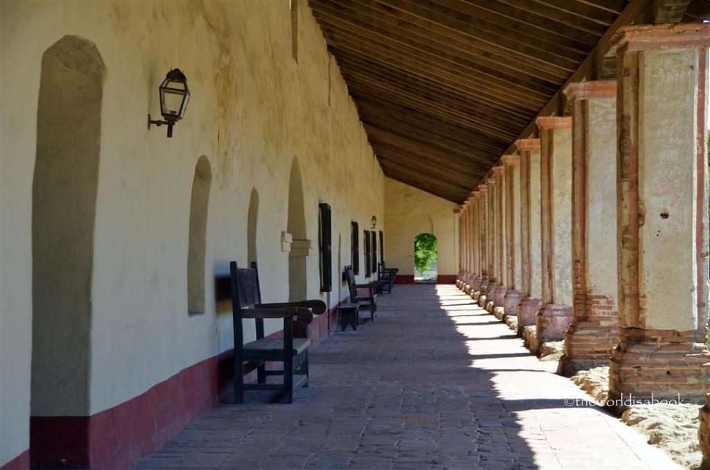 Mission La Purisima residence corredor