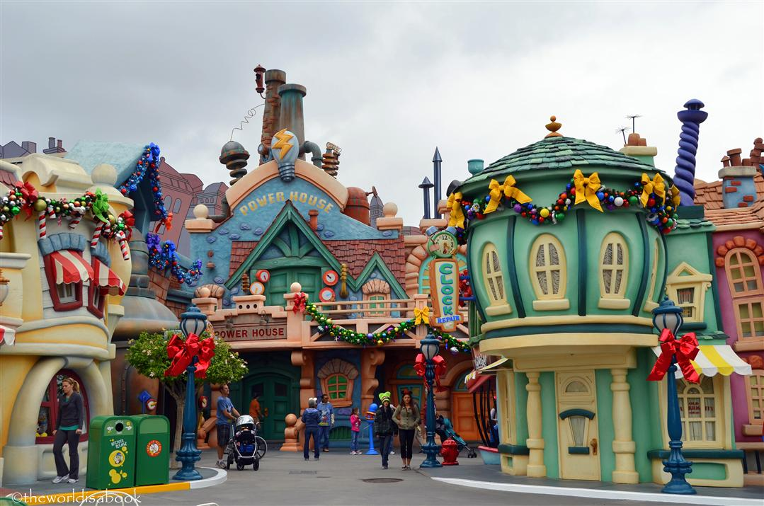 Disneyland Holiday Toontown