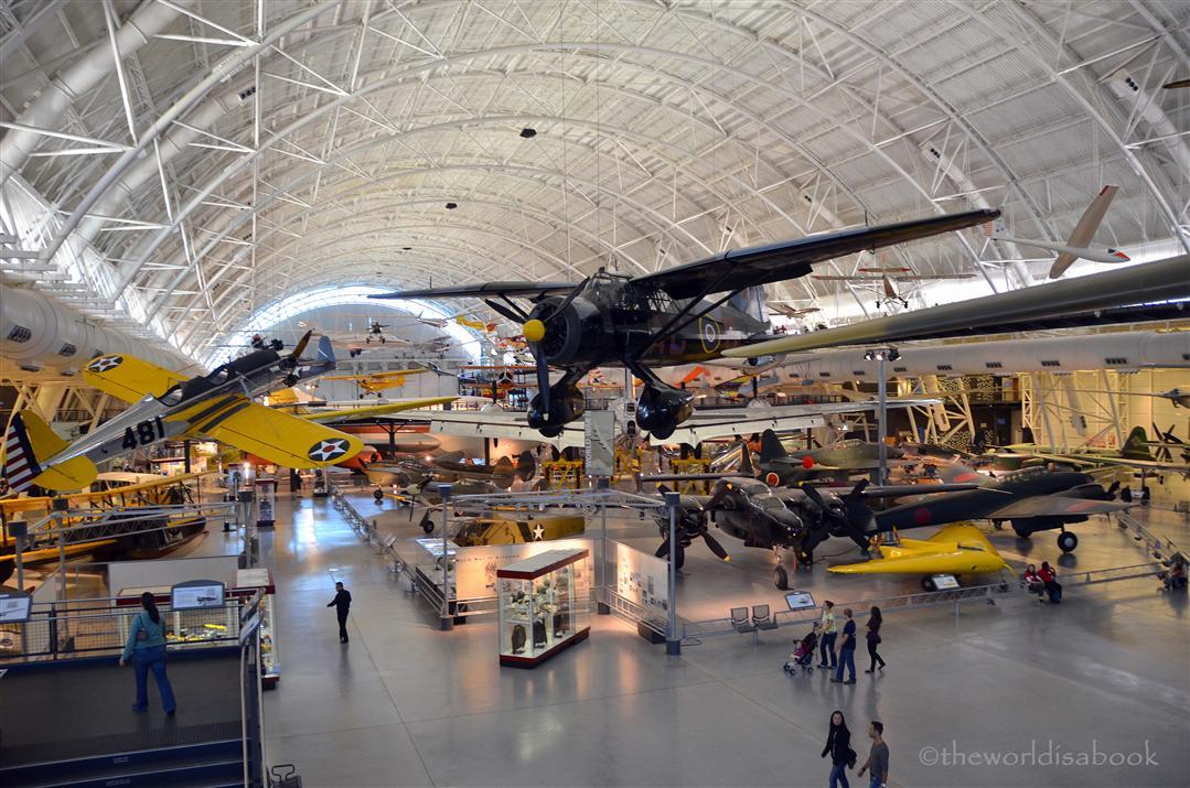 Air & Space museum Udvar Hazy Center hangar