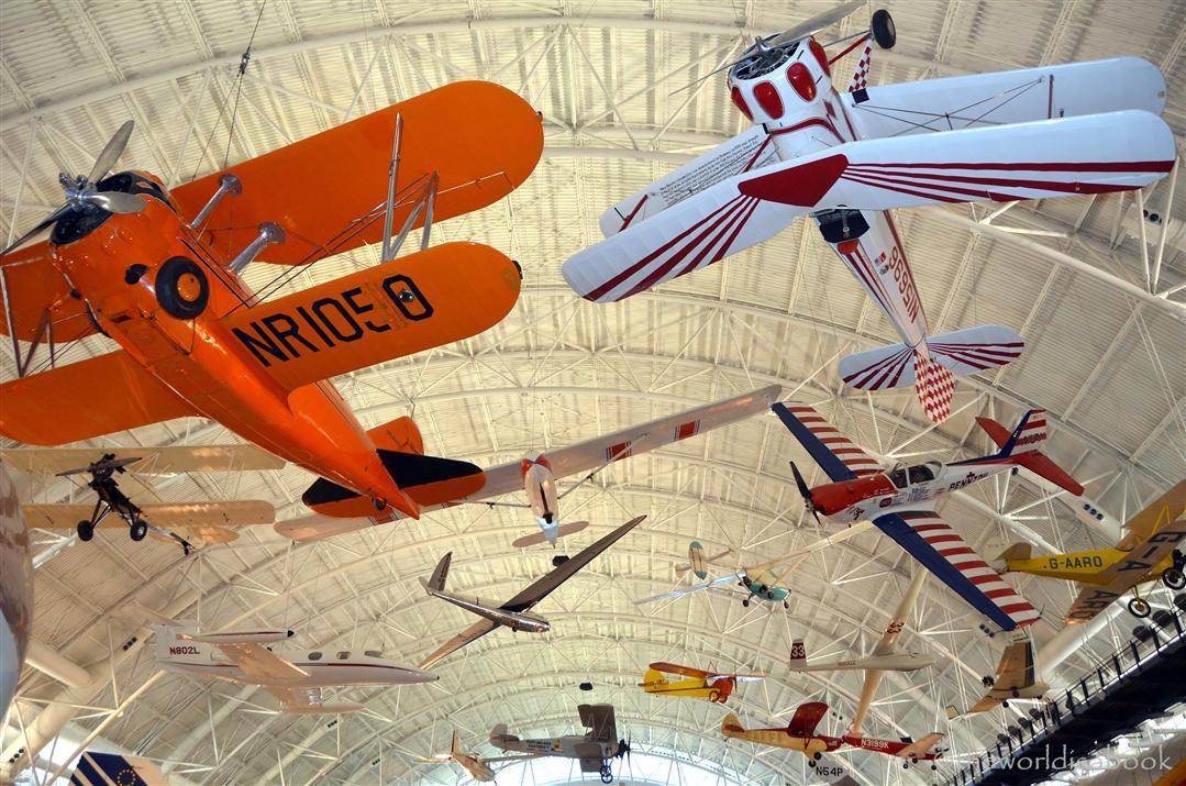 Udvar Hazy Center planes