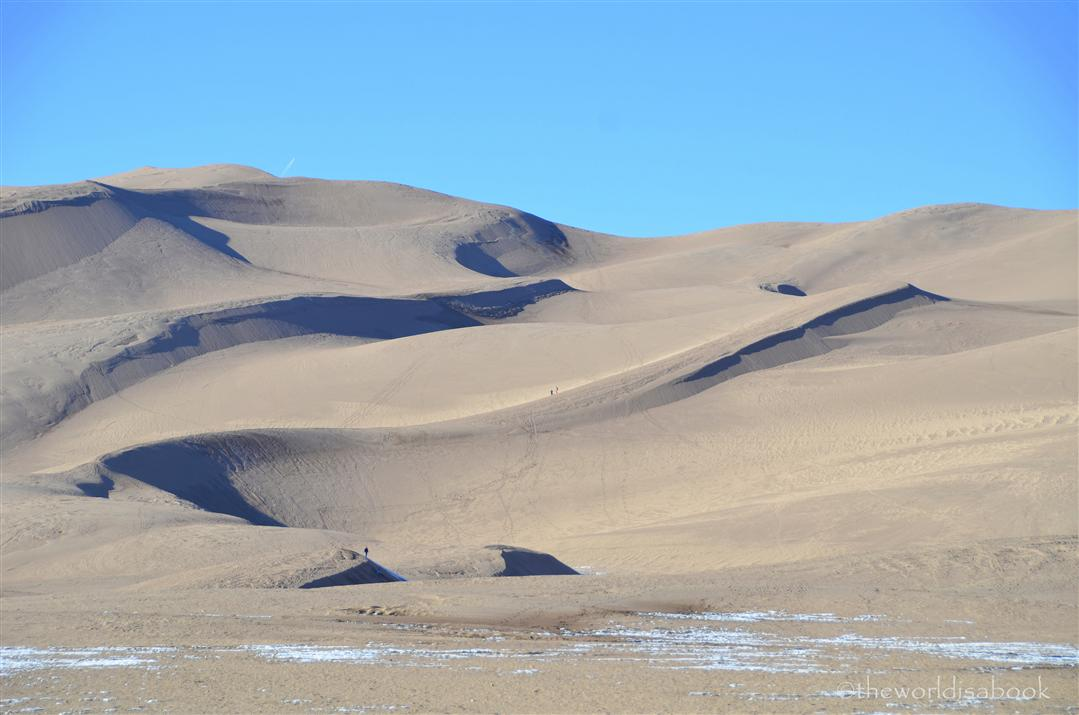 Great Sand Dunes with people