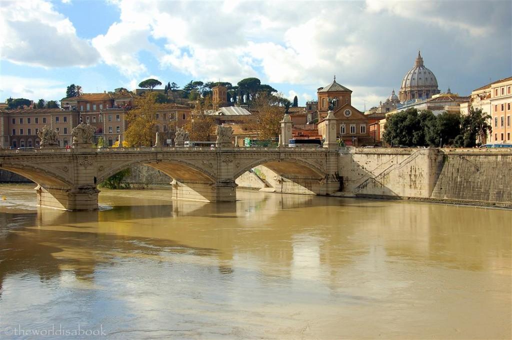 Rome Ponte Vittorio Emanuele II Bridge