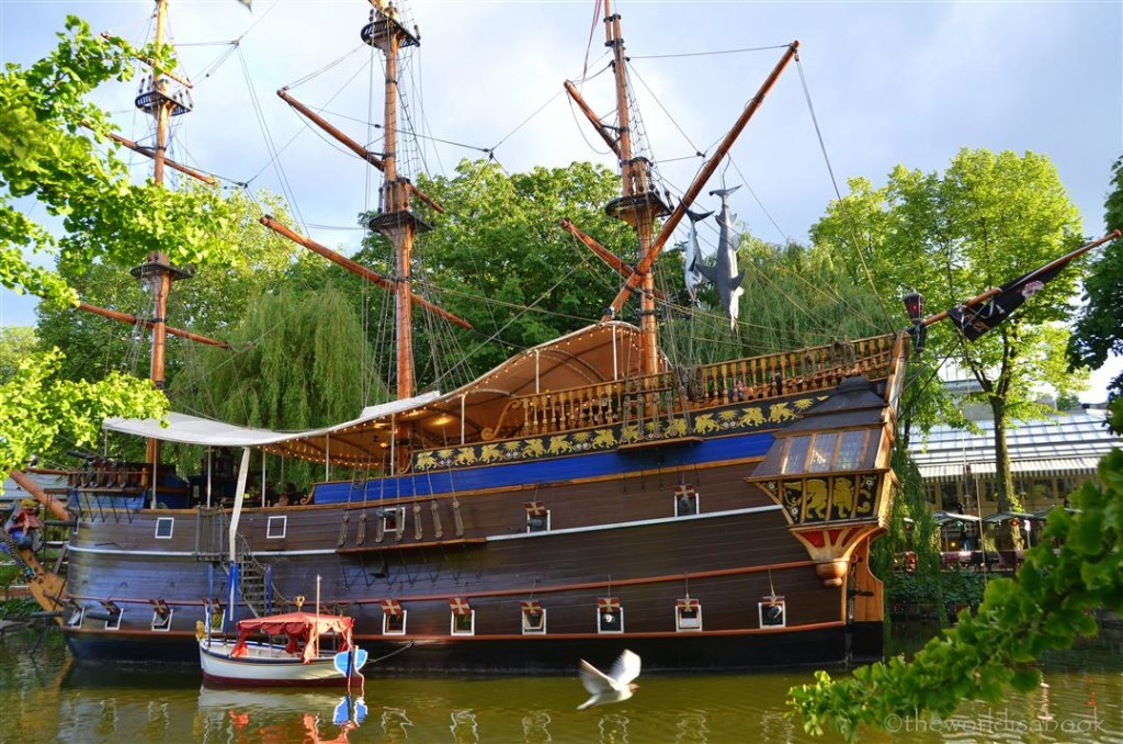 Tivoli pirate ship