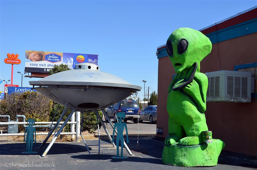 a history of the town of roswell The roswell story is no exception below is a brief synopsis of what took place back in 1947 his descriptions of the objects that flew like geese and moving like a saucer would if you skipped it across the water became the term flying saucers, and thus the age of the ufo was born.