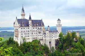 neuschwanstein castle with kids a modern fairy tale the world is a book. Black Bedroom Furniture Sets. Home Design Ideas