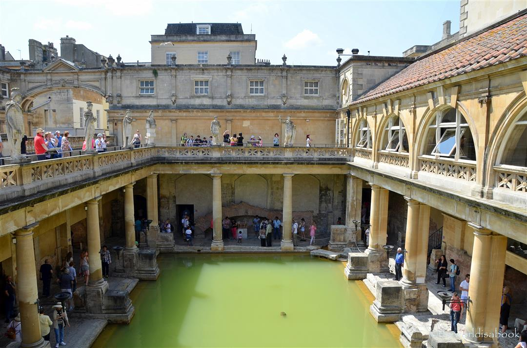 A Step Back In Time At The Roman Baths Bath England The