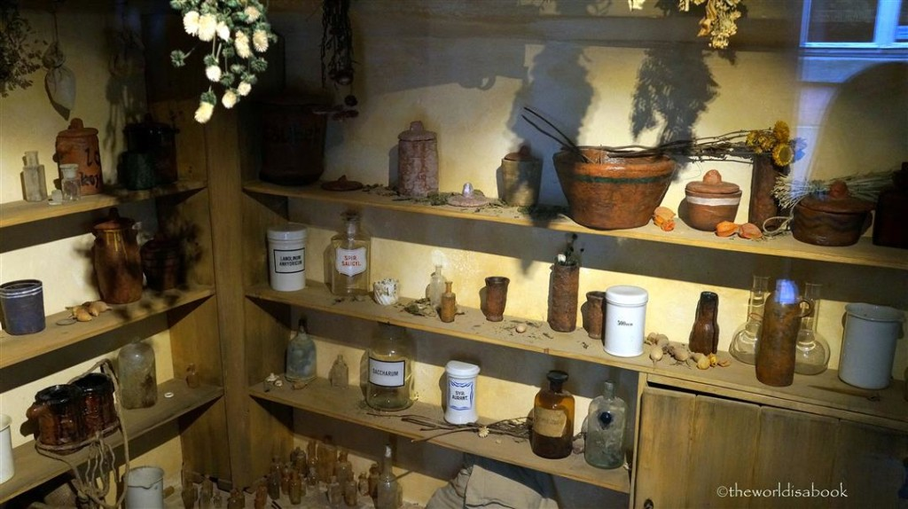 Golden Lane Herbalist House