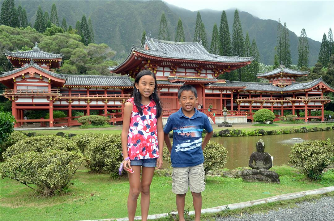 Byodo-in temple with kids