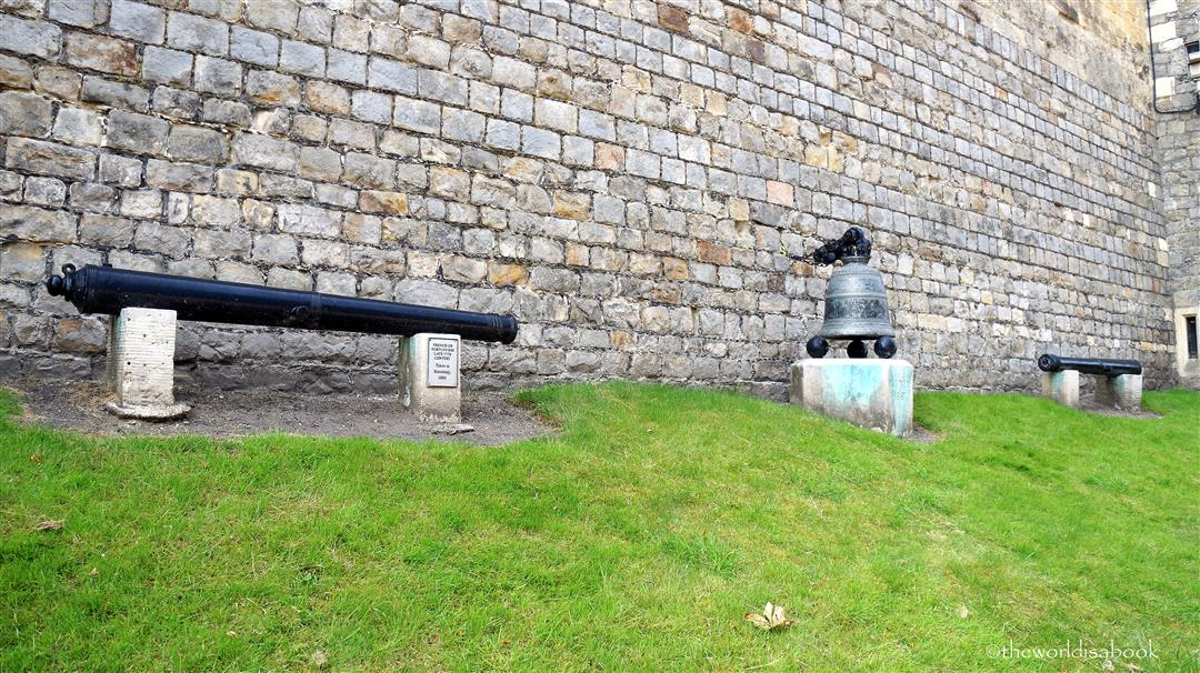 Windsor castle cannons