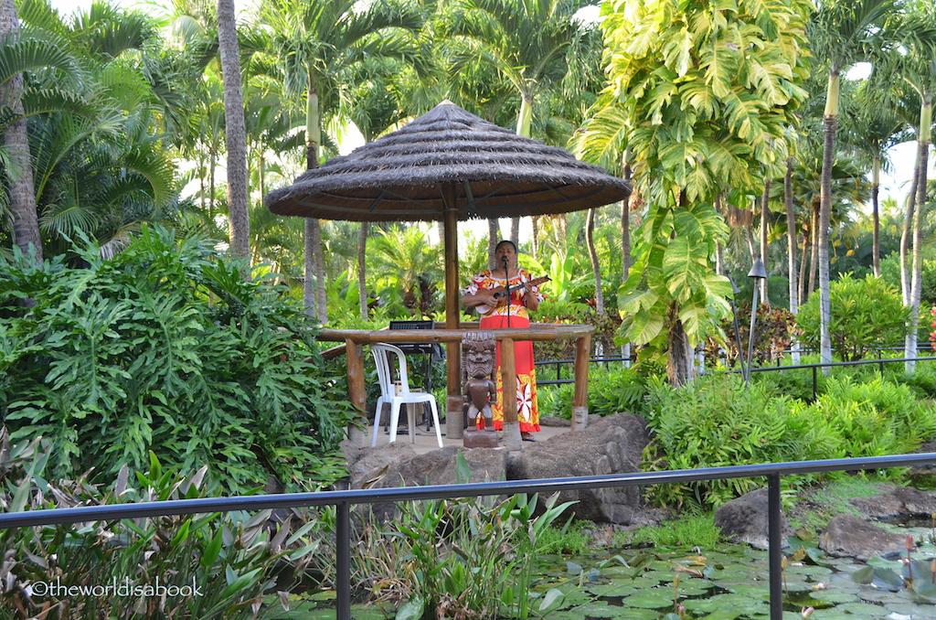 Paradise Cove luau singer