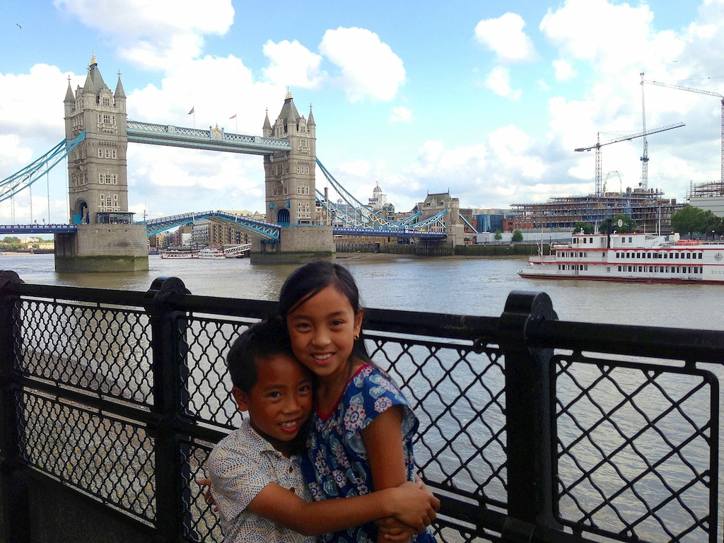 London with kids tower bridge