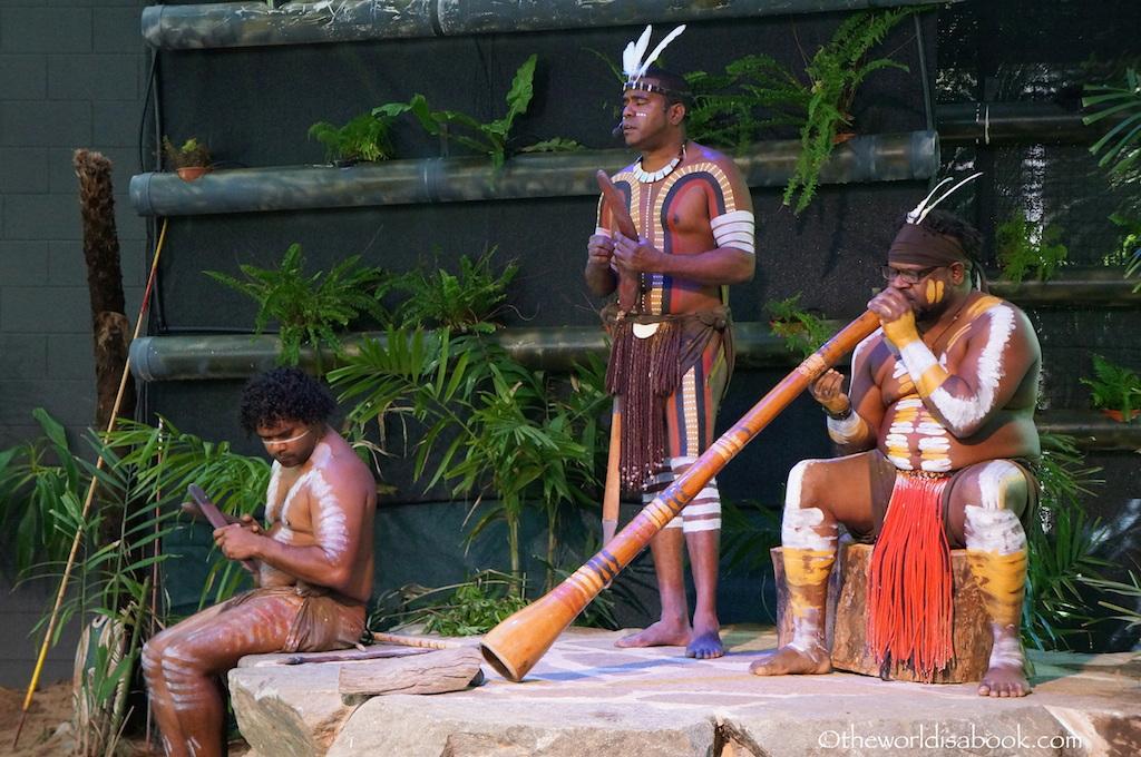 Tjapukai Dance Show didgeridoo