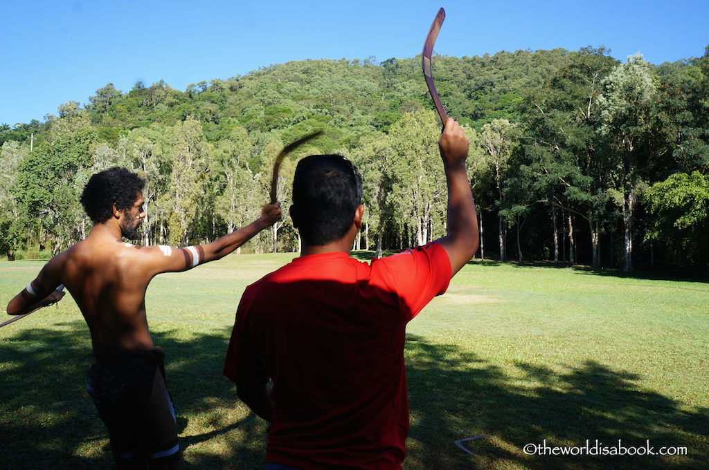 Tjapukai boomerang demonstration