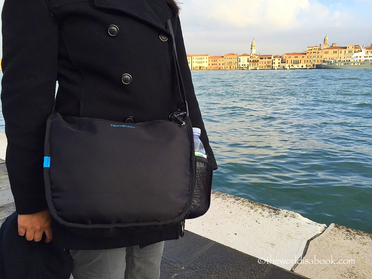 Travelon Anti-theft React bag
