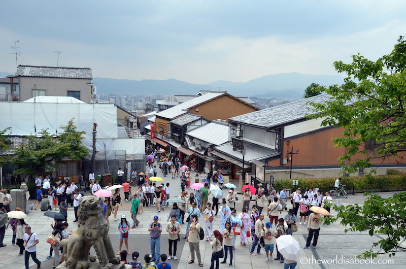 Kiyomizudera Kyoto crowd