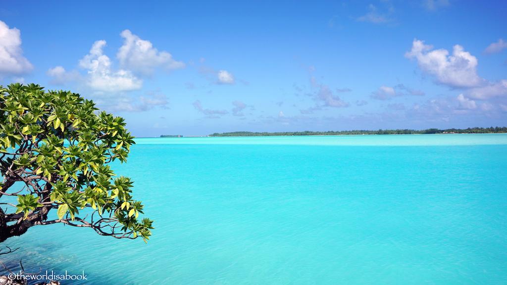 Bora Bora turquoise water