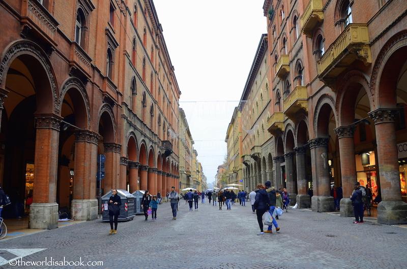 Bologna Via Indipendenza