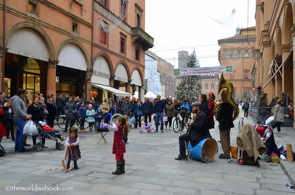 Bologna street musicians