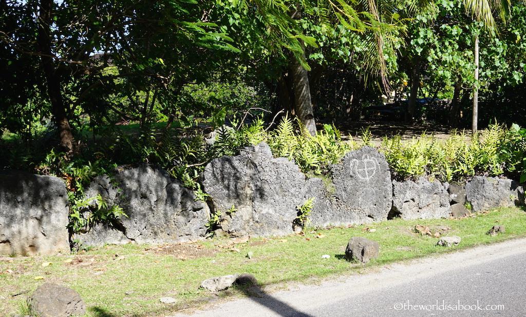 Bora Bora petroglyphs