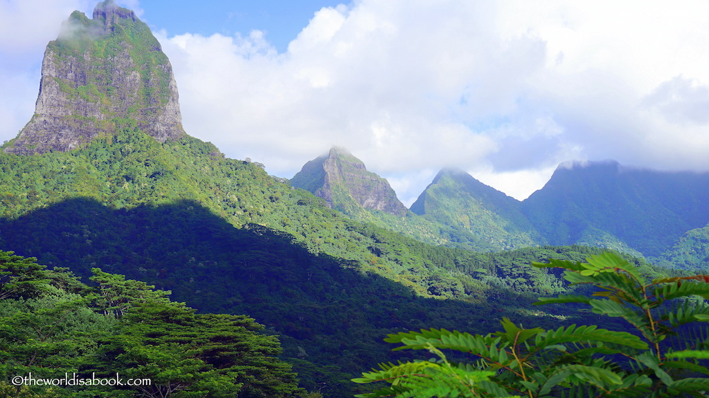 Moorea mountains