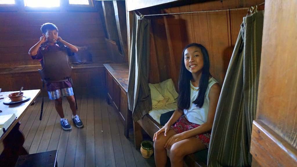 Beds at Mayflower II with kids