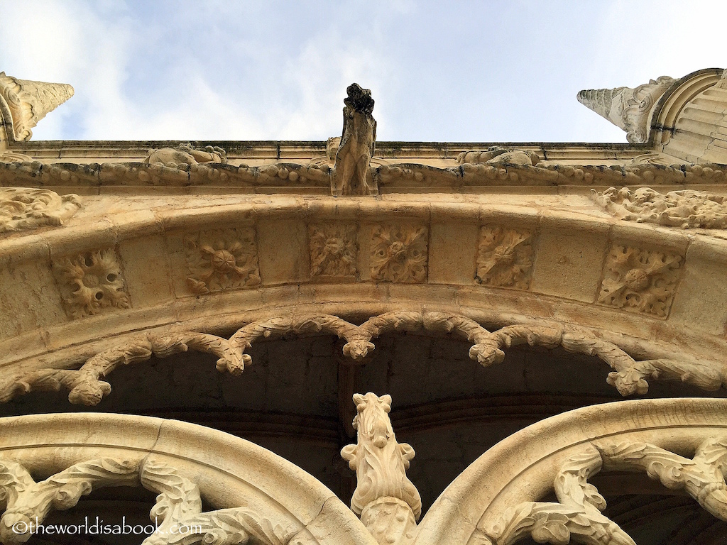 Jeronimos Monastery cloister details