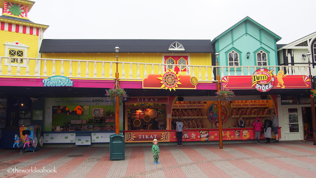 Linnanmaki game booths