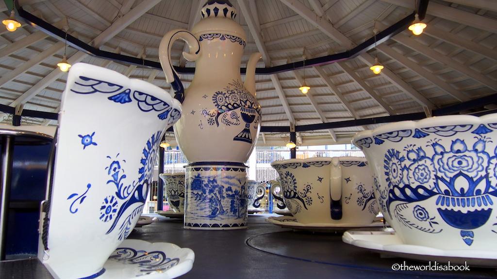 Linnanmaki coffee cups