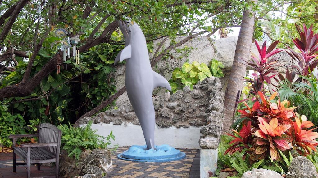 Dolphin Research Center Veteran Garden