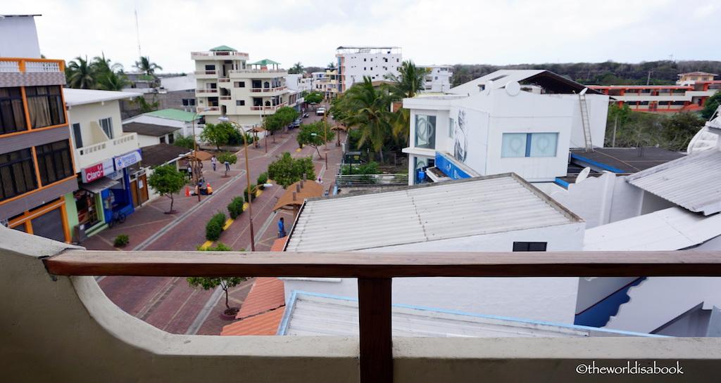 Galapagos Puerto AYora street
