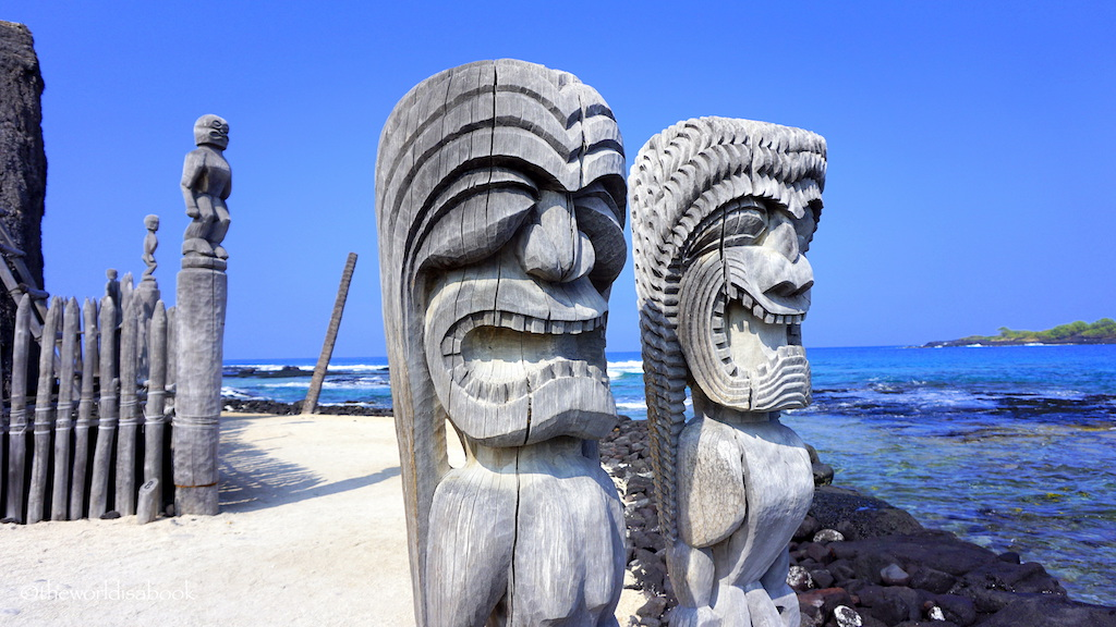 Puʻuhonua o Hōnaunau National Historical Park wooden figures