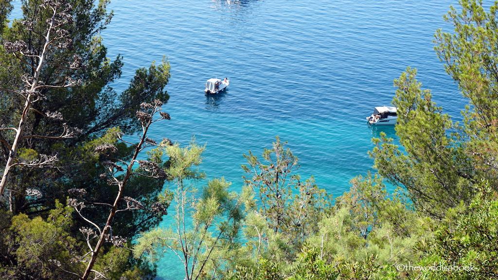 Split turquoise ocean