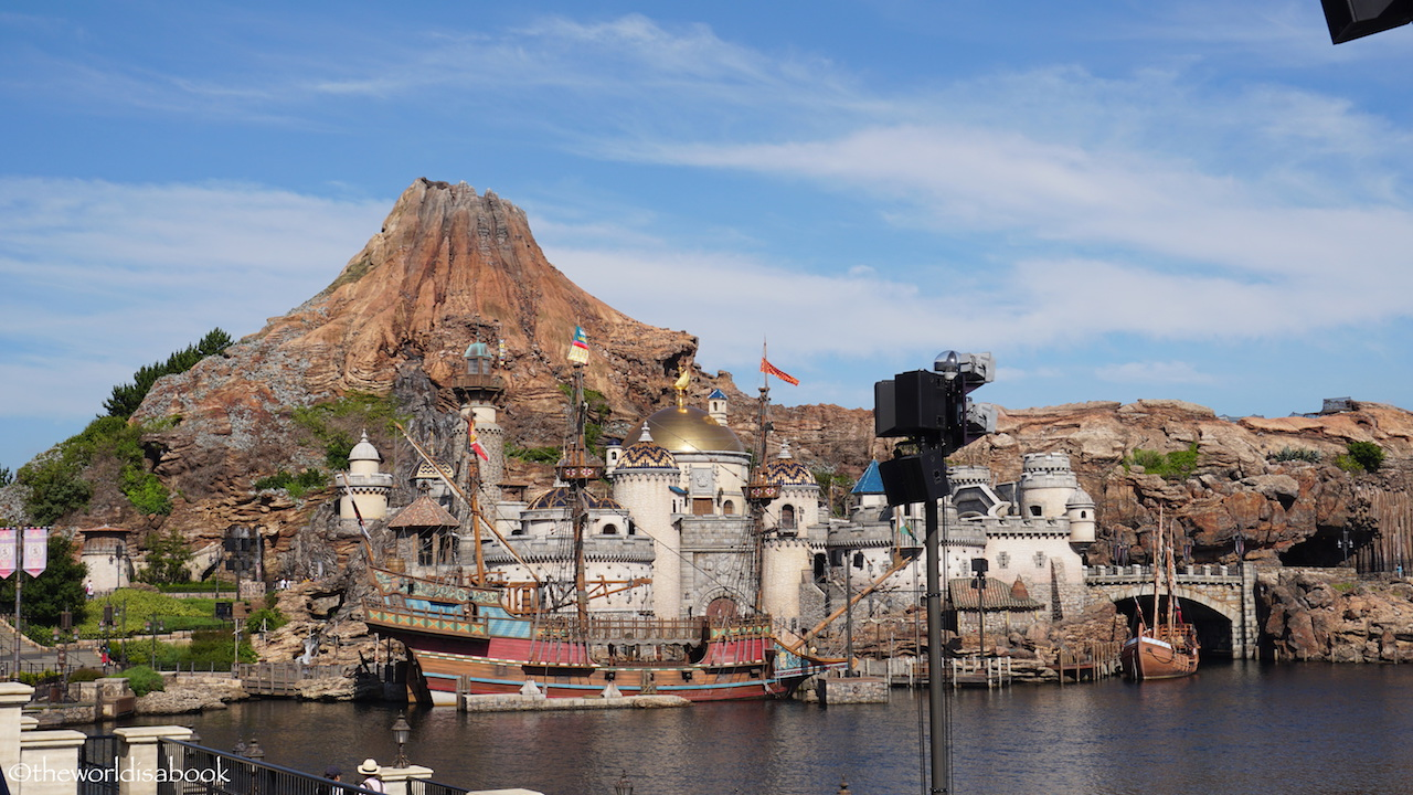 Who Accepts Amex >> Tips for Visiting Tokyo DisneySea - The World Is A Book